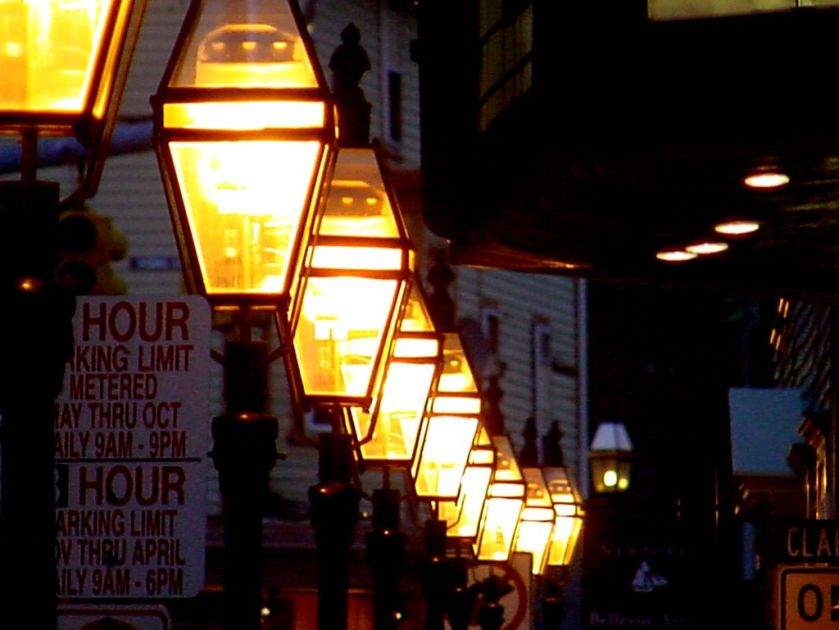Newport_street_lights